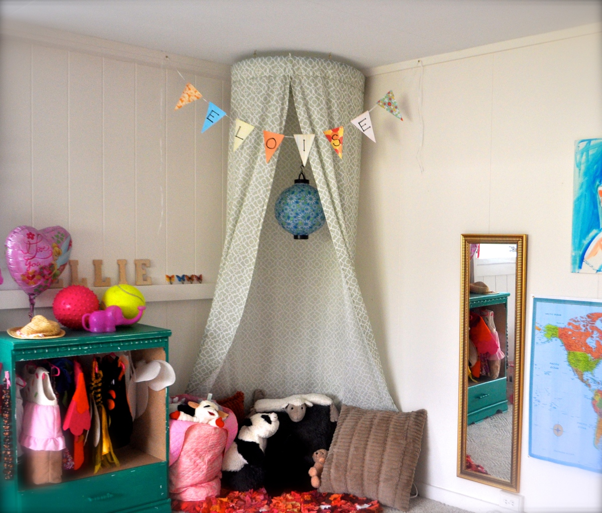 5 minute, no-sew Kid's Canopy!